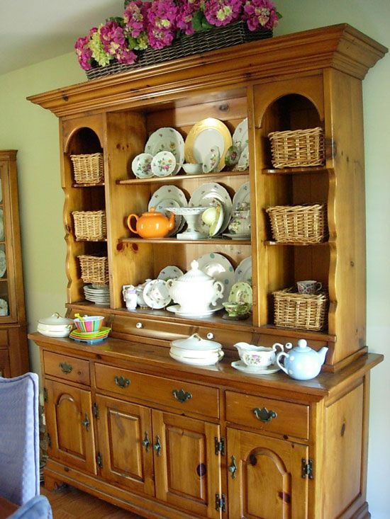 Dining Room Hutch Decorating Ideas 550 x 733