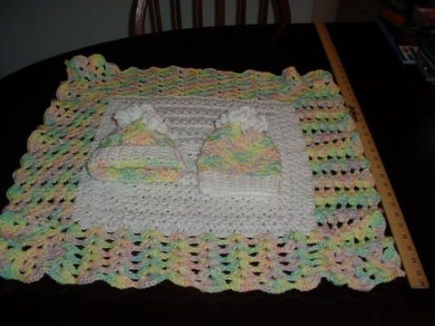 Free Crochet Patterns For Baby Hats And Blankets : Gayles Baby hat and blanket Free Crochet patterns ...
