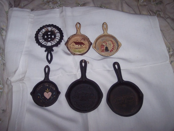 vintage 6 miniature cast irons fry pans and by Linsvintageboutique, $19.50