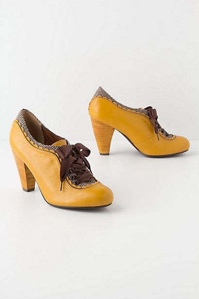 I would love someone forever if they bought me theses! Gingham-Trimmed Oxford Heels #anthropologie