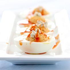 Buffalo chicken deviled eggs | Pupu | Pinterest