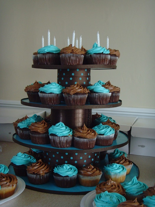 diy cupcake stand Party Pinterest