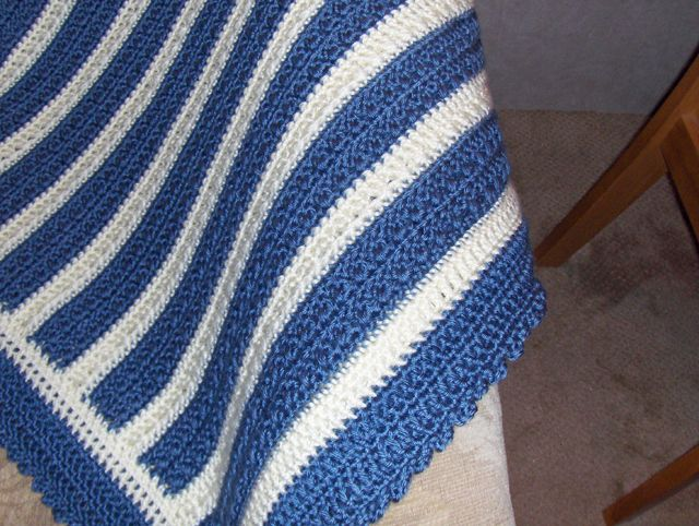 Crocheting With Two Colors : Easy Two Color Crochet Afghan Aunt Dot?s Afghan