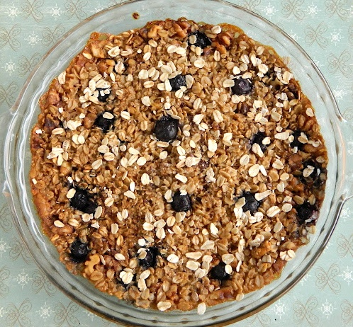 Vegan baked oatmeal with bananas, blueberries and beneficial coconut ...