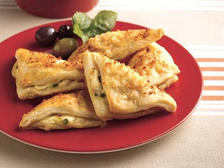Cheese Crescent Triangles | My favourite recipes. | Pinterest