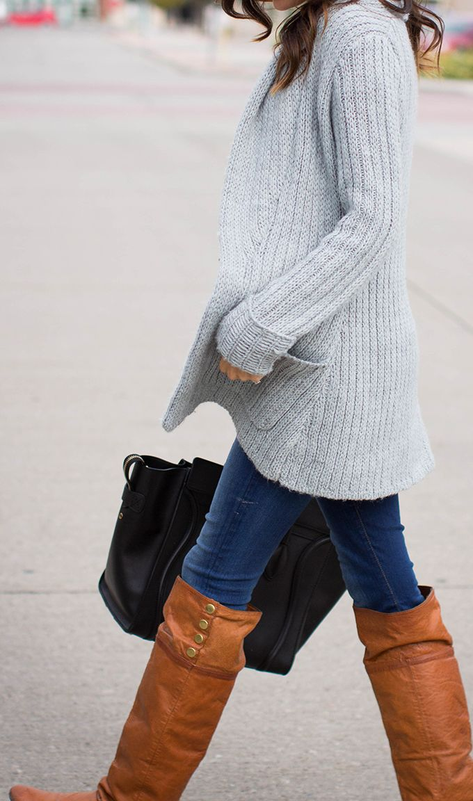 Oversized Cardigan,Jeans & Long Boots