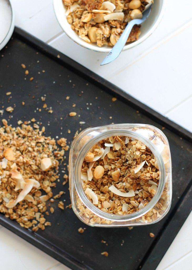 Coconut Macadamia Nut Granola [Vegan, Gluten Free & Refined Sugar Free ...