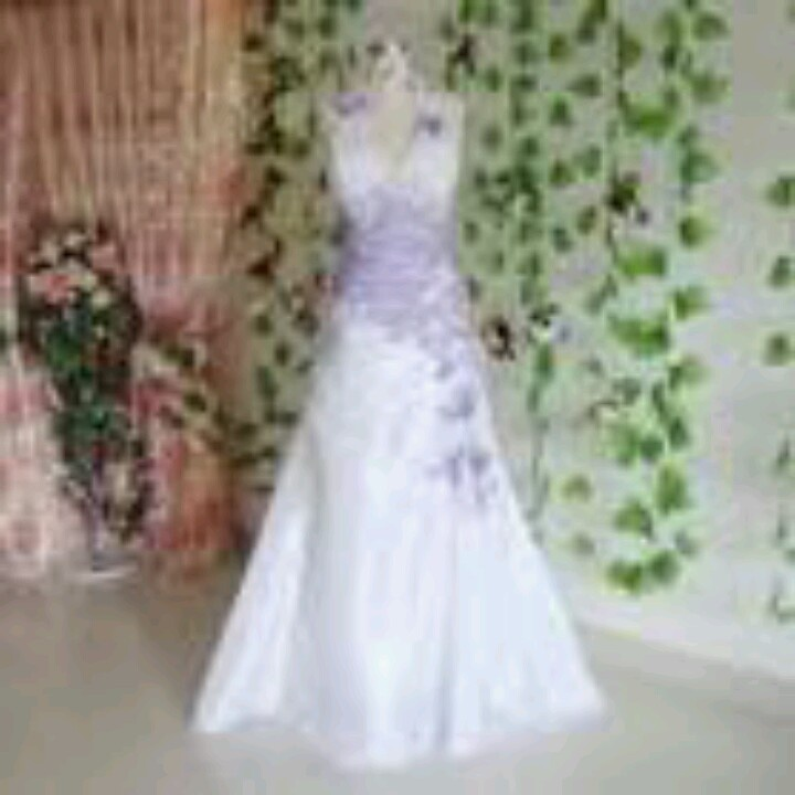 Lavender wedding dress a purple wedding pinterest for White wedding dress with purple accents