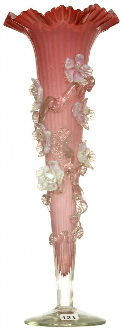 PINK опалесцирующую Обсаженном ART GLASS TRUMPET ВАЗА с прикладными ЧЕТКИЕ И опалесцирующей белой цветут и ДЕКОР ФИЛИАЛ