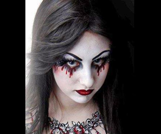 15 awesome last minute halloween face paint ideas for Gothic painting ideas