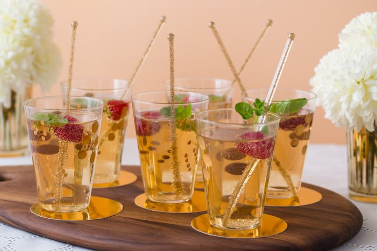 Raspberry champagne cocktail | Party Food | Pinterest