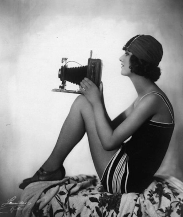 Model with camera, 1925