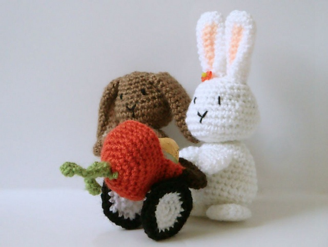 Pinky The Rabbit Amigurumi Crochet Pattern : Bunny Crochet Amigurumi Pattern pattern by Ana Yogui