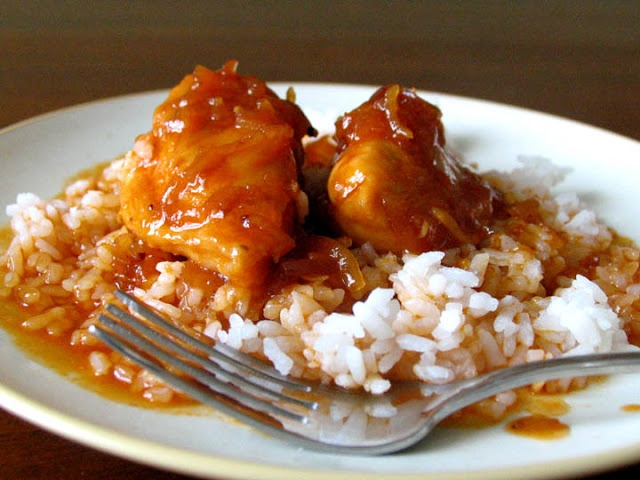 easy baked Apricot Chicken: chicken, onion soup mix, russian dressing ...