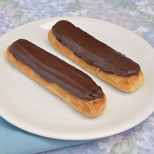 chocolate eclairs... the French way. SO yummy looking.