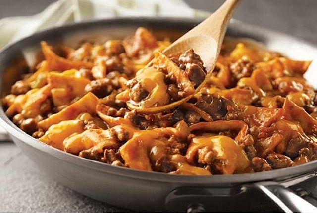 Easy Dinner Recipe: Cheesy Beef Taco Skillet - Foodista.com