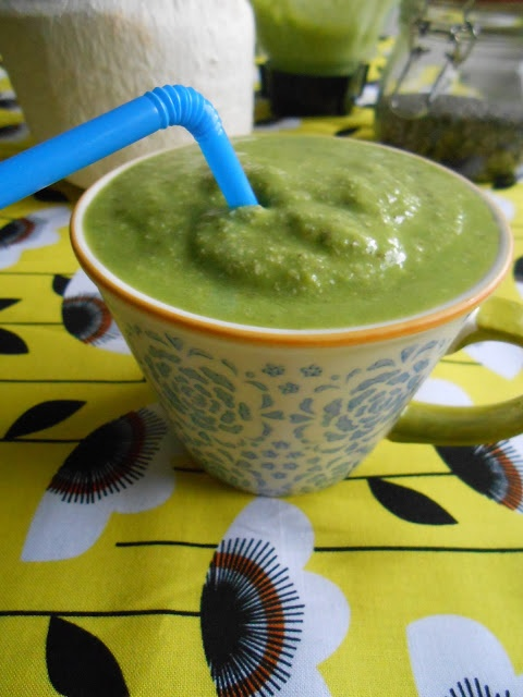 Green Tropical Coconut Smoothie | {Drinky Poos} | Pinterest