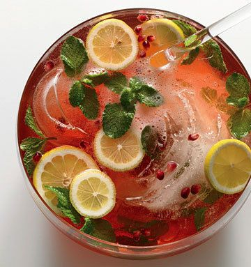 Pomegranate-Champagne Punch | Recipes I'd love to try | Pinterest