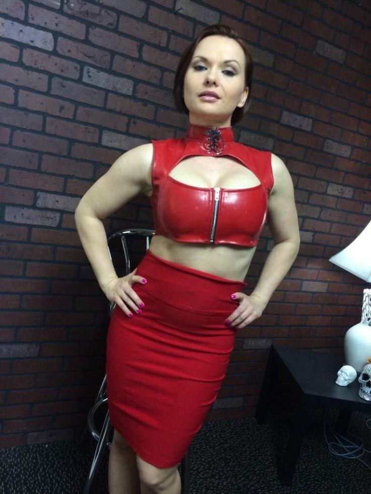 Short haired MILF Katja Kassin models sexy fishnet bodystocking № 57801 загрузить