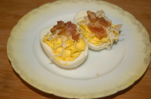 Bacon-Cheddar Deviled Eggs | Low Carb Appetizers | Pinterest