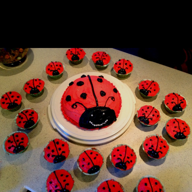 ladybug baby shower cake orso 39 s baby shower pinterest