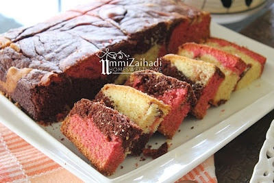 Cocoa Strawberry Marble Cake | food in Malaysia | Pinterest