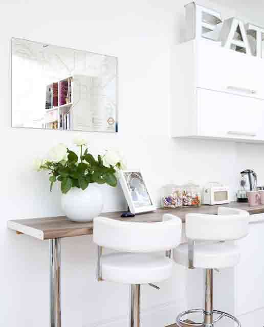 Small kitchen breakfast bar some place to live pinterest - Small kitchen with breakfast bar ...