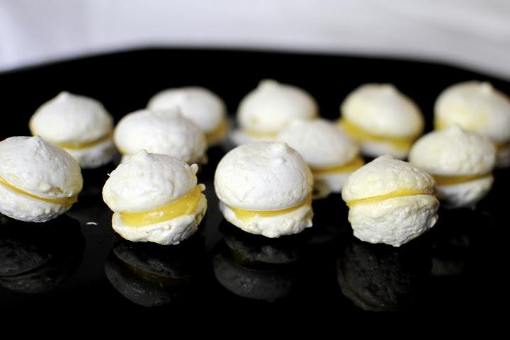 Lemon filled meringue cookies. O_O | food | Pinterest