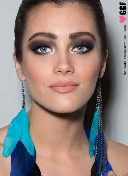 Pinterest natural tutorial  buzzfeed Smokey natural brown makeup #makeup makeup eye