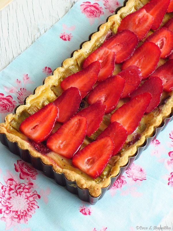 Pastel de ruibarbo y fresa