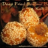 Deep Fried Sesame Balls is one of the famous tea time snack in Malaysia. The commoner is a famous and new year delicacy among chinese .