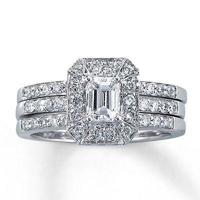 Crowned Emerald Cut Center Piece