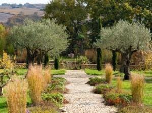 Secretgardenofmine jardin toscan toscan garden for Jardin 00 garden