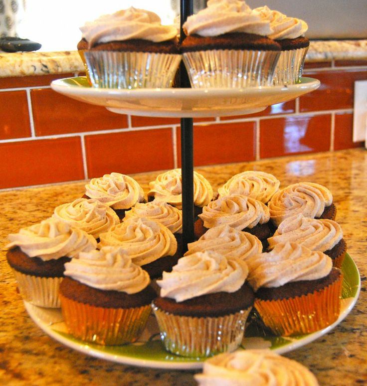 ... Dessert: Gingerbread Cupcakes with Cinnamon Cream Cheese Frosting