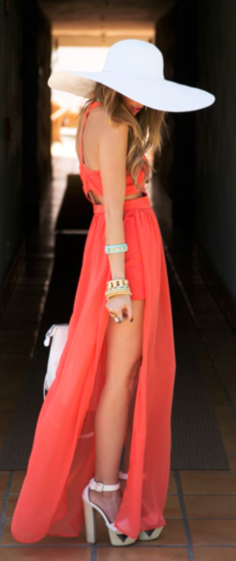 obsessed with the summer ease to this Coral maxi and white sunhat!