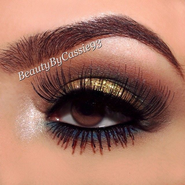 Dramatic smokey eye makeup