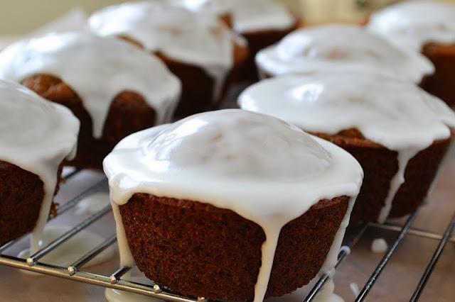 Gingerbread muffins with lemon glaze | Yummm | Pinterest