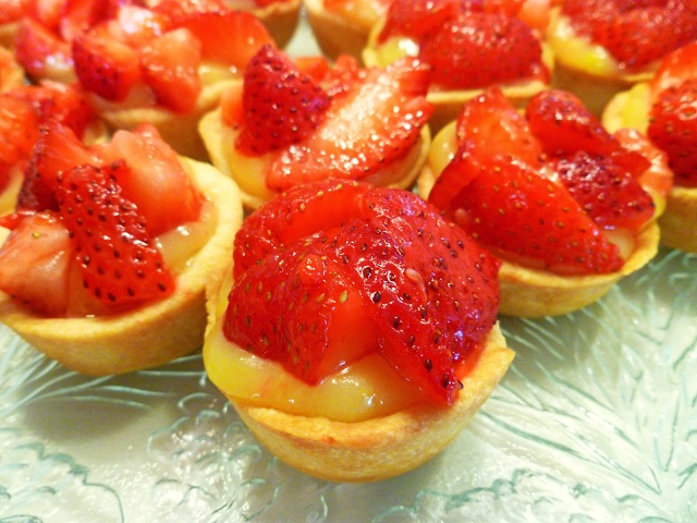 strawberry & lemon curd tartlets | Tea Time | Pinterest