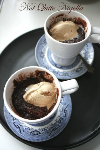 The Five Minute Chocolate Mug Cake | NOMS - sweeties | Pinterest