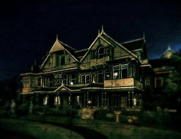 Haunted house photos pinterest for Pinterest haunted house