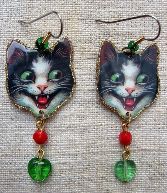 Crazy Cat Earrings by ilovemyauntdebbie on Etsy, $21.00