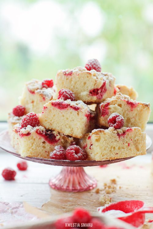 Raspberry Crumble Cake | Party Food | Pinterest