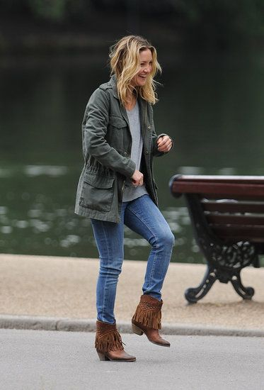 Kate Hudson, love the boots.