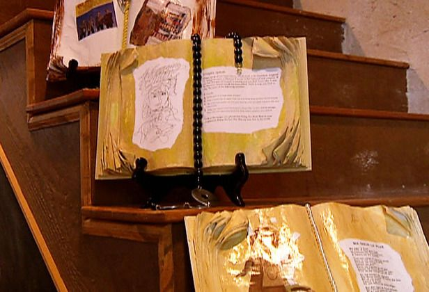 How to make decorative open book plaques