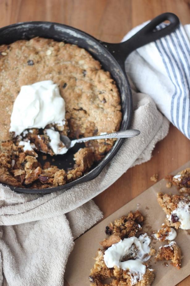 Yummm... One pan breakfast maple oatmeal raisin skillet cookie!