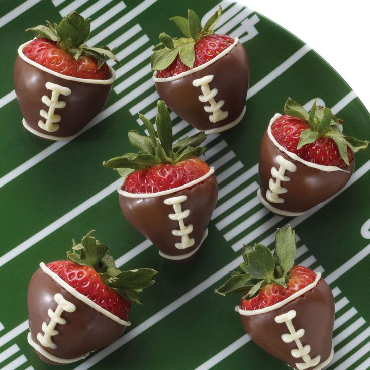 Football Dipped Chocolate Strawberries | Things To Eat | Pinterest