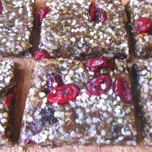 Fruit nut and seed raw bars | Raw Goodness | Pinterest