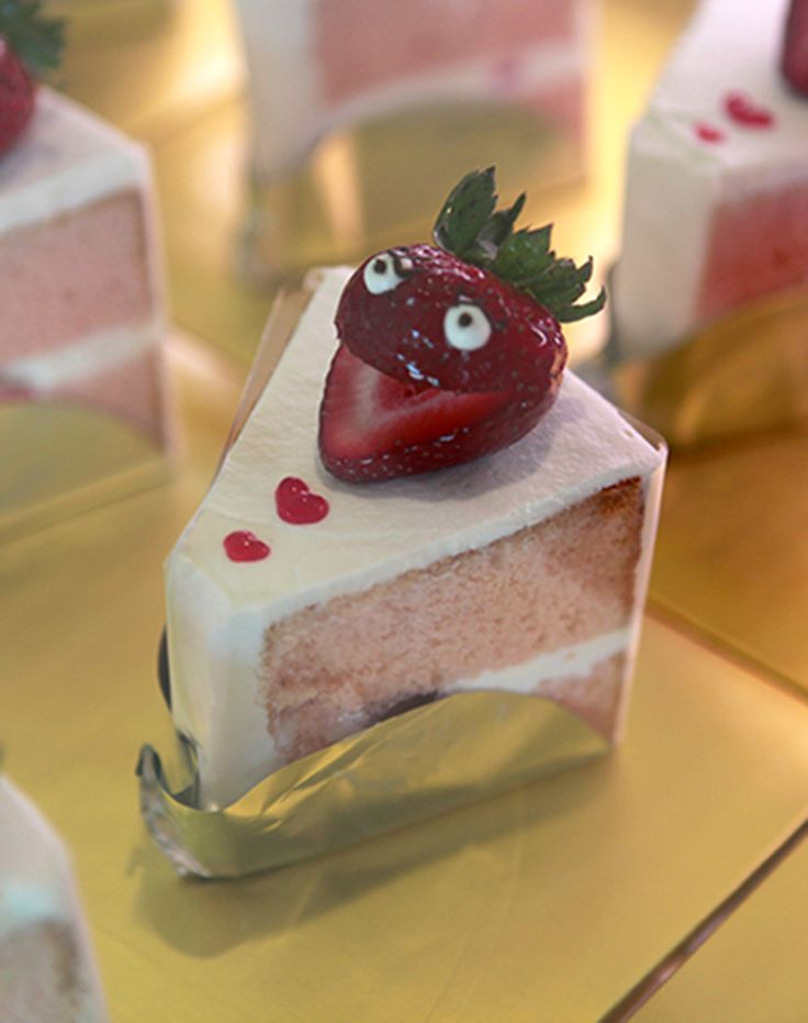 Strawberry Chiffon Cake | Sweet Treats | Pinterest