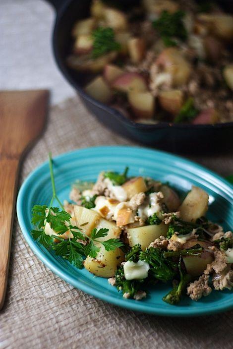 Pot Turkey Skillet Dinner (With Potatoes and Smoked Mozzarella) - easy ...