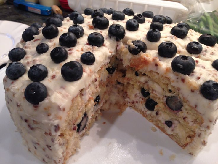 The Pioneer Woman Billie's Blueberry Italian Cream Cake http://www ...